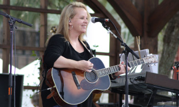 Mary Chapin Carpenter 350x210 Review: Mary Chapin Carpenter at the 30A Songwriters Festival