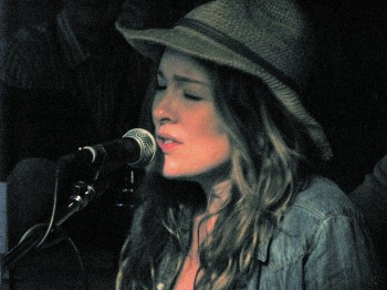 Sara Buxton 350x262 The voices and venues of Tin Pan South