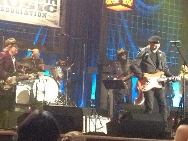 "Richard Thompson playing ""Good Things Happen to Bad People"""