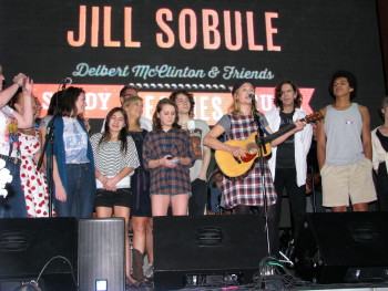 Jill Sobule and her instant chorus