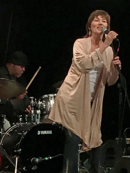 Lari White had a busy week with two shows of her own, a songwriters session and...